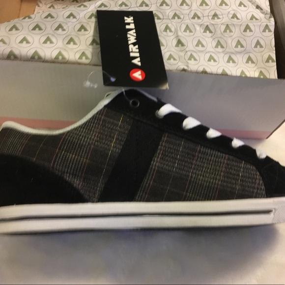 35e0c10e3acf New Airwalk sneakers